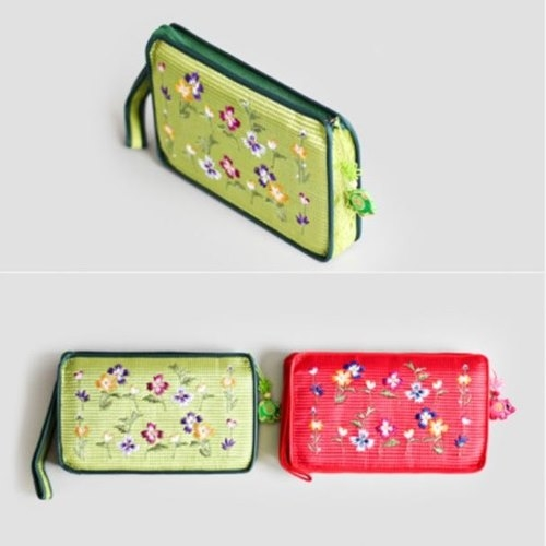 [palbok] Embroidered Quilted Passbook Purse